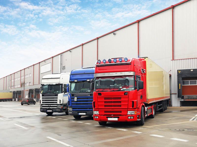 Carico e scarico merci logistica